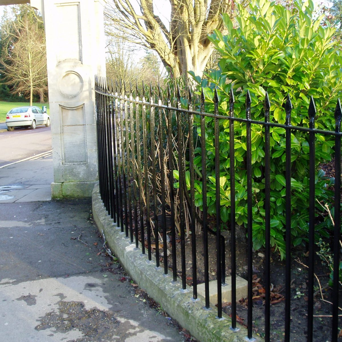 Traditional Cast & Wrought Iron Railings