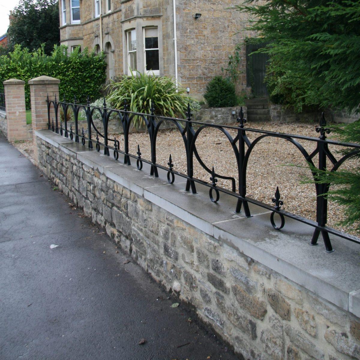 parapet railings