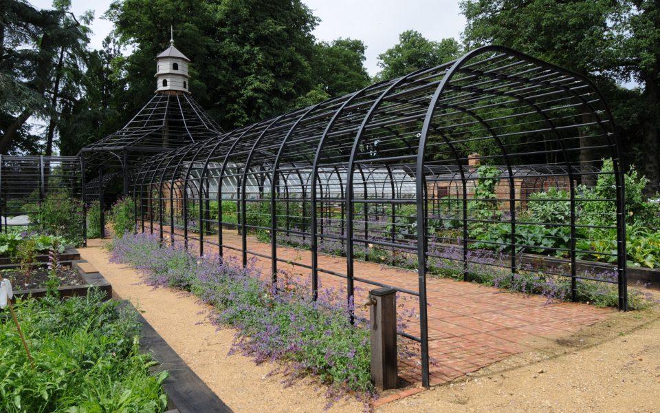 Garden metalworks